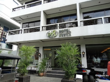M Hotel Manila Featured Image