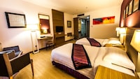 Superior Room (1 Queen or 2 Single Beds)