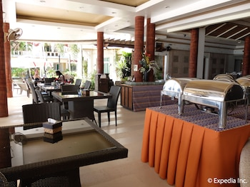 Willy's Beach Hotel Boracay Dining