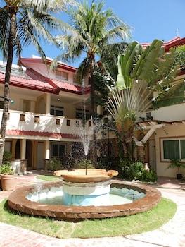 Willy's Beach Hotel Boracay Fountain