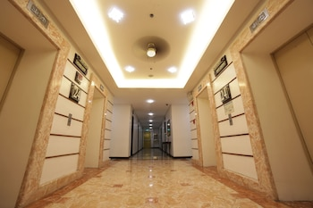 Regency Grand Suites Manila Hallway