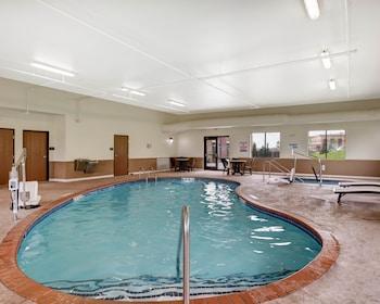 Comfort Suites Bridgeport - Clarksburg