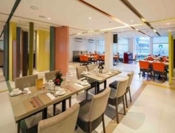 Microtel by Wyndham UP Techno Hub Breakfast Area