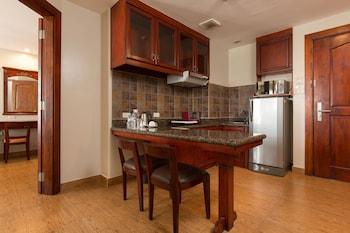 Mj Hotel & Suites Cebu In-Room Kitchen