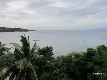 Coco Beach Island Resort Mindoro Beach
