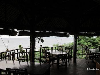 Coco Beach Island Resort Mindoro Restaurant