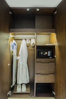 Deluxe Suite (Residential Suite)