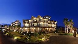 T Island Resort