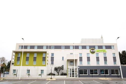 佩皮尼昂南馬切國際民宿飯店