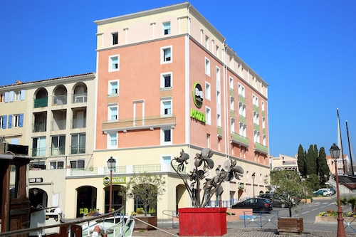 瑪爾地蓋布克港民宿飯店