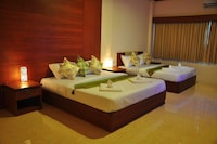 Chayley Triple Room - Room Only