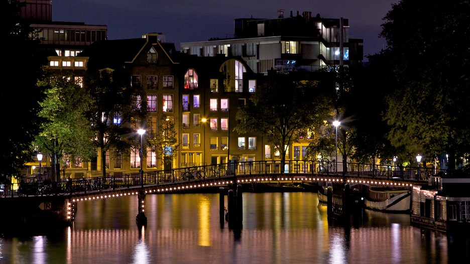 Cheap deals to amsterdam in march