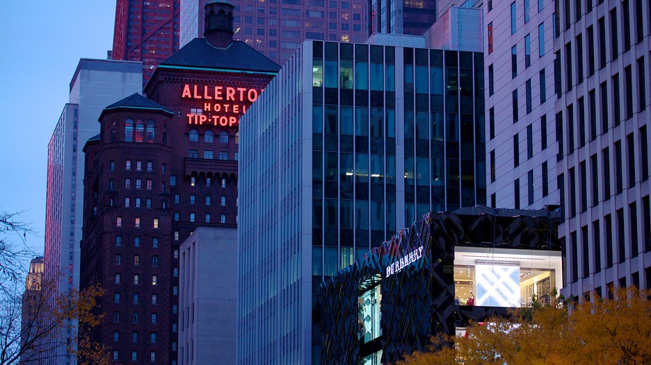 Magnificent mile river north vacation packages book for Cheap luxury hotels chicago
