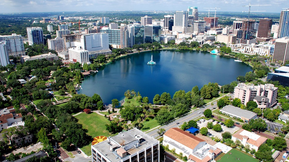 Book your Orlando family vacation with Expedia and find family-friendly hotels, all-inclusive packages, and great things to do with your kids.