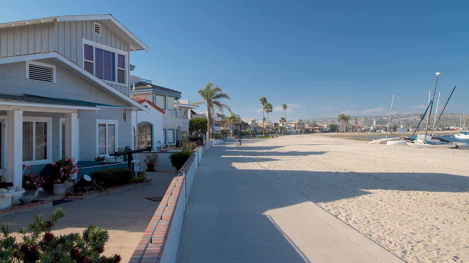 mission beach in san diego california expedia. Black Bedroom Furniture Sets. Home Design Ideas