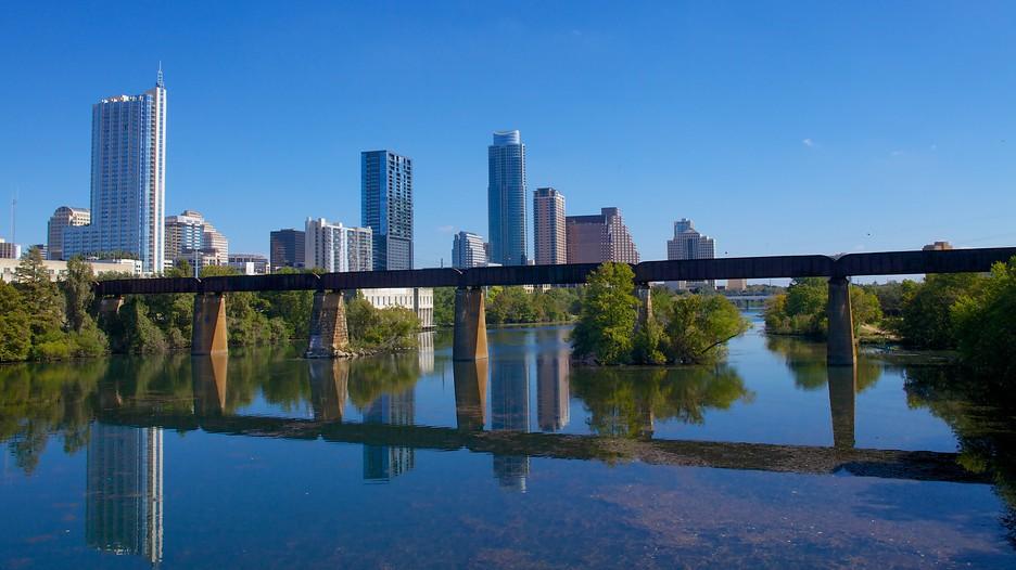 Lady Bird Lake In Austin Texas Expedia