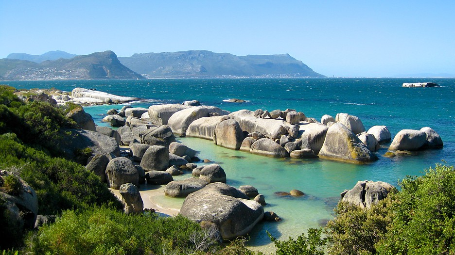 Boulders beach in cape town expedia for Landscaping rocks cape town
