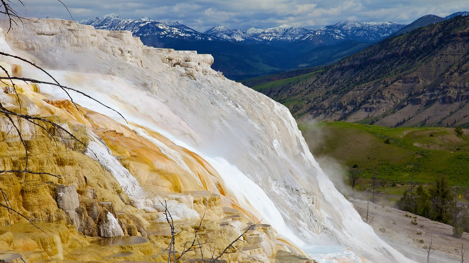 Yellowstone National Park Vacation Packages Book Cheap