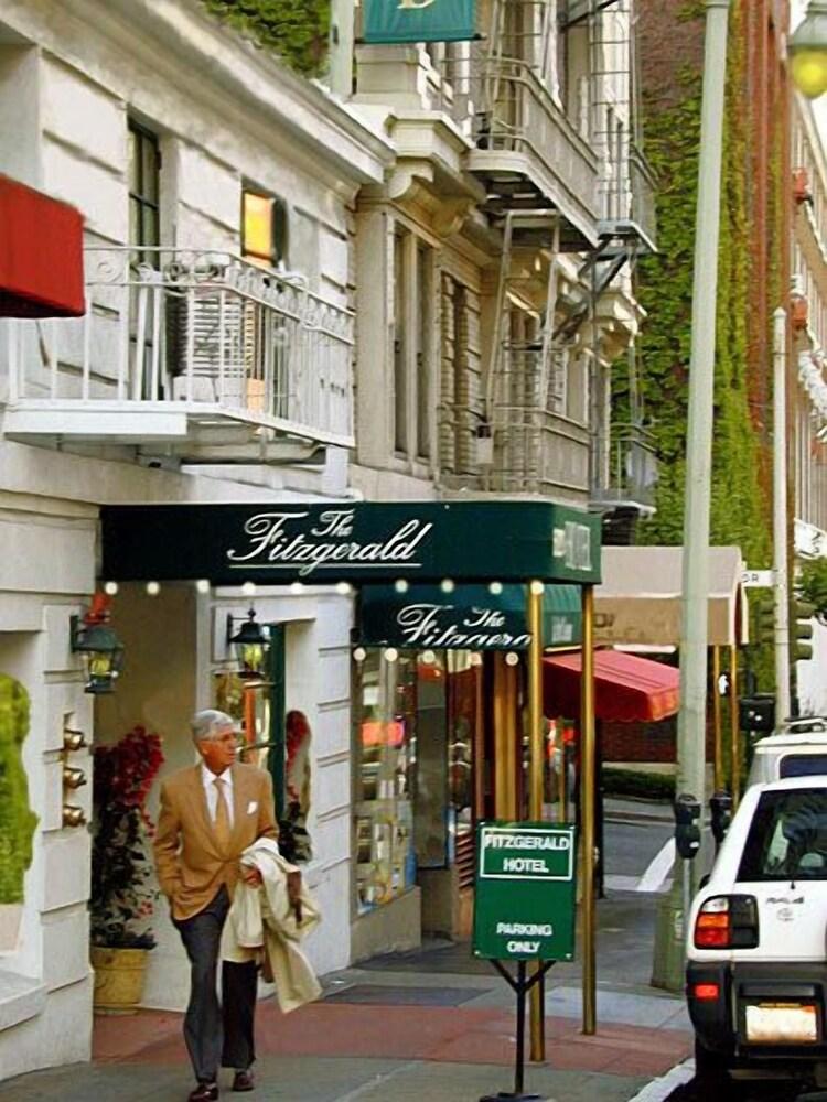 Fitzgerald Hotel