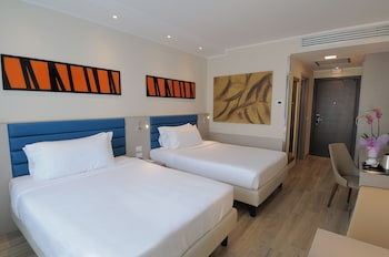 IH Hotels Milano Lorenteggio - Guestroom  - #0
