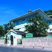 多科特斯巖洞海灘飯店
