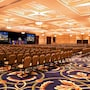Hotel Roanoke & Conference Ctr, Curio Collection by Hilton photo 27/41