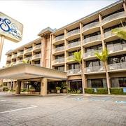 拉霍亞海濱旅館