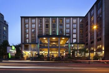 溫哥華市區假日套房飯店