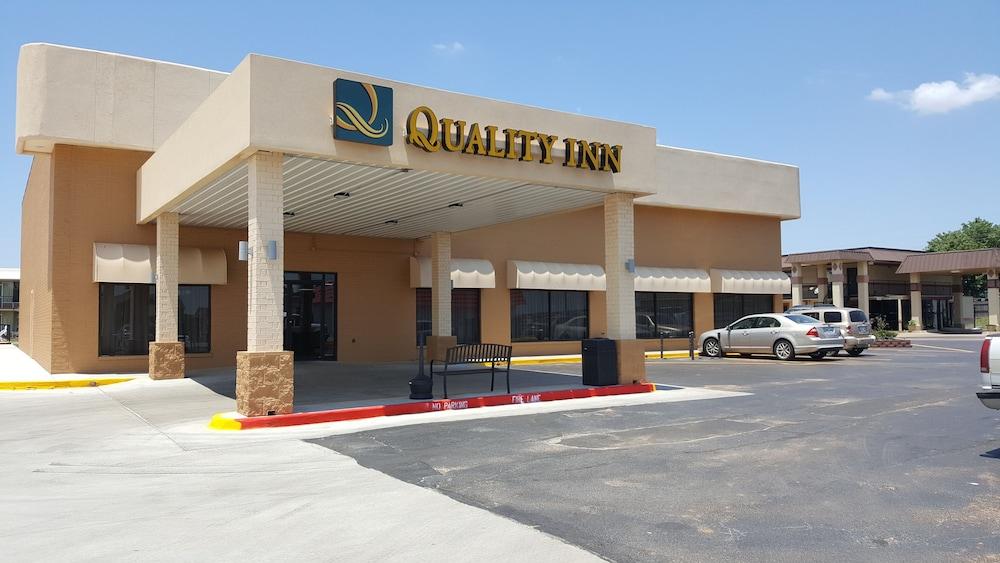 Quality Inn Shawnee
