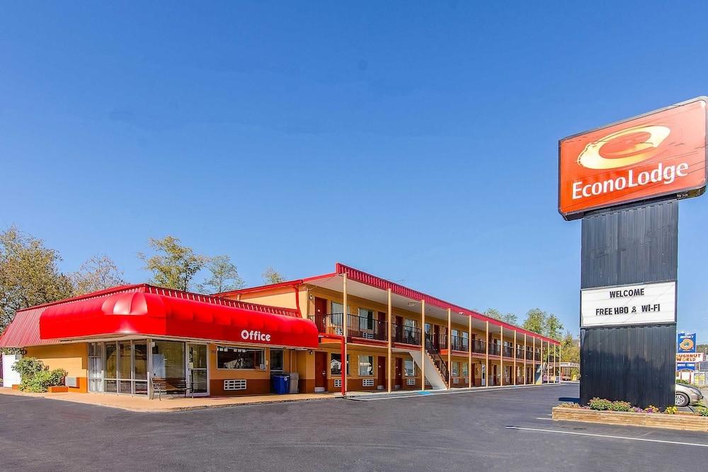 Econo Lodge Near Motor Speedway