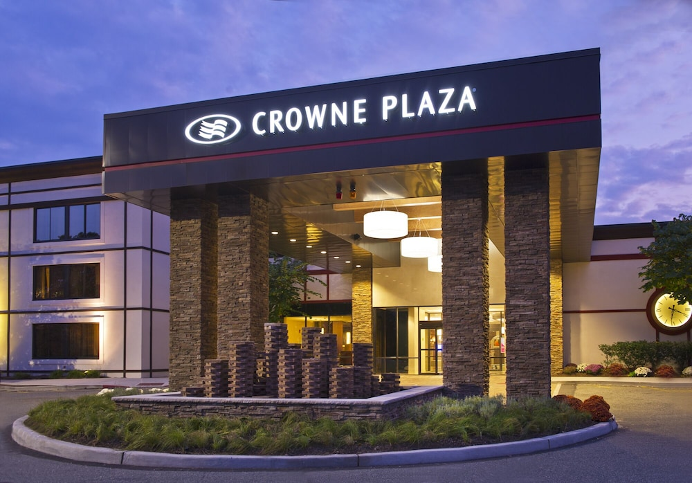Crowne Plaza Suffern - Mahwah