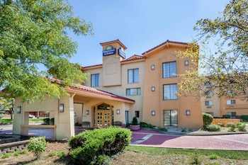 Photo for Days Inn & Suites by Wyndham Arlington Heights in Arlington Heights, Illinois