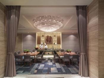 Makati Shangri-La Dining