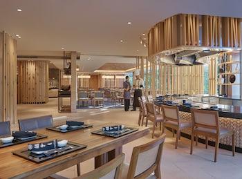 Makati Shangri-La Restaurant