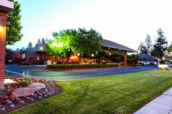 Hotel Piccadilly in Fresno, California