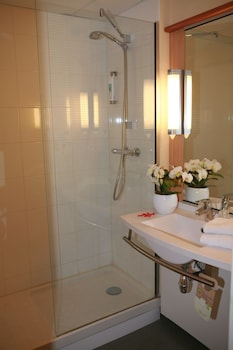 ibis Chateauroux - Bathroom  - #0