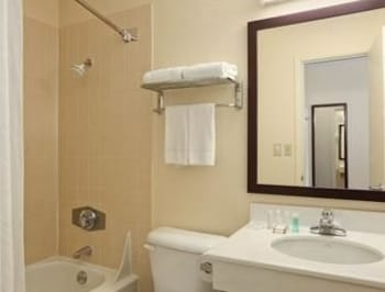 Baymont Inn and Suites Jefferson City