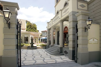 蒙特貝羅豪華飯店