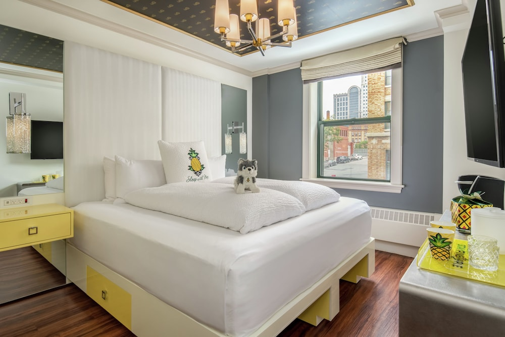 Staypineapple, A Delightful Hotel, South End