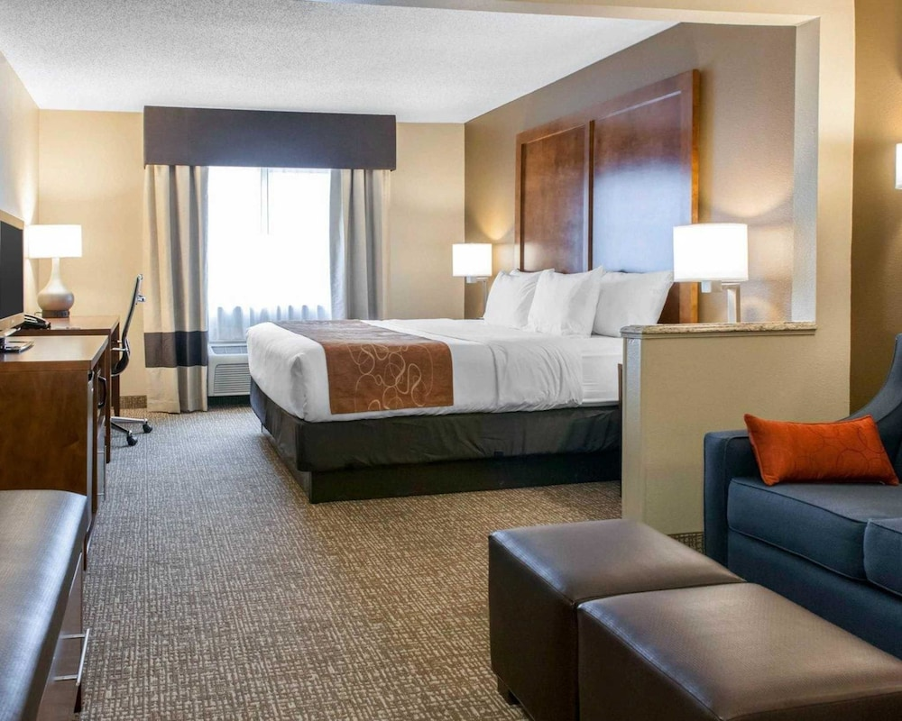 Comfort Suites Terre Haute University Area