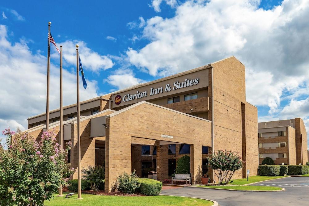 Clarion Inn & Suites Central I-44