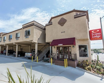 Econo Lodge Inn & Suites Fallbrook Downtown in Fallbrook, California
