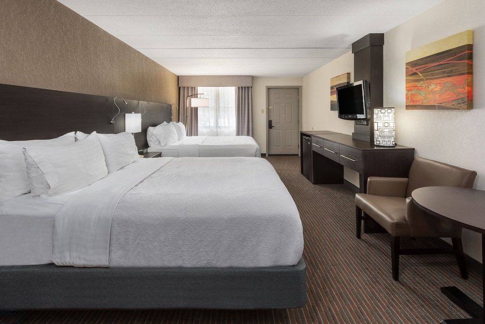 Holiday Inn St. Louis West Six Flags