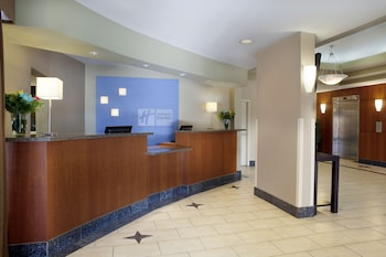 Holiday Inn Express Suites Downtown