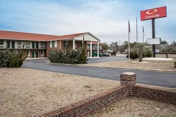 Econo Lodge Crystal Coast in Morehead City, North Carolina