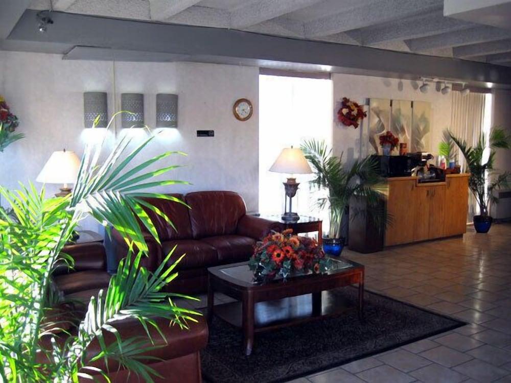Santa Fe Inn Pueblo