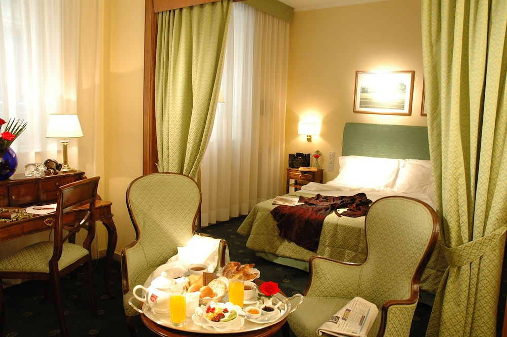 Napoleon Hotel