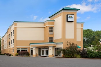 Days Inn & Suites by Wyndham Albany in Albany, New York
