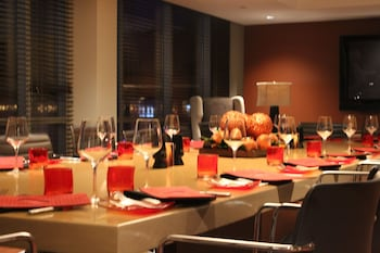 Hotel Indigo Boston - Newton Riverside - Dining  - #0