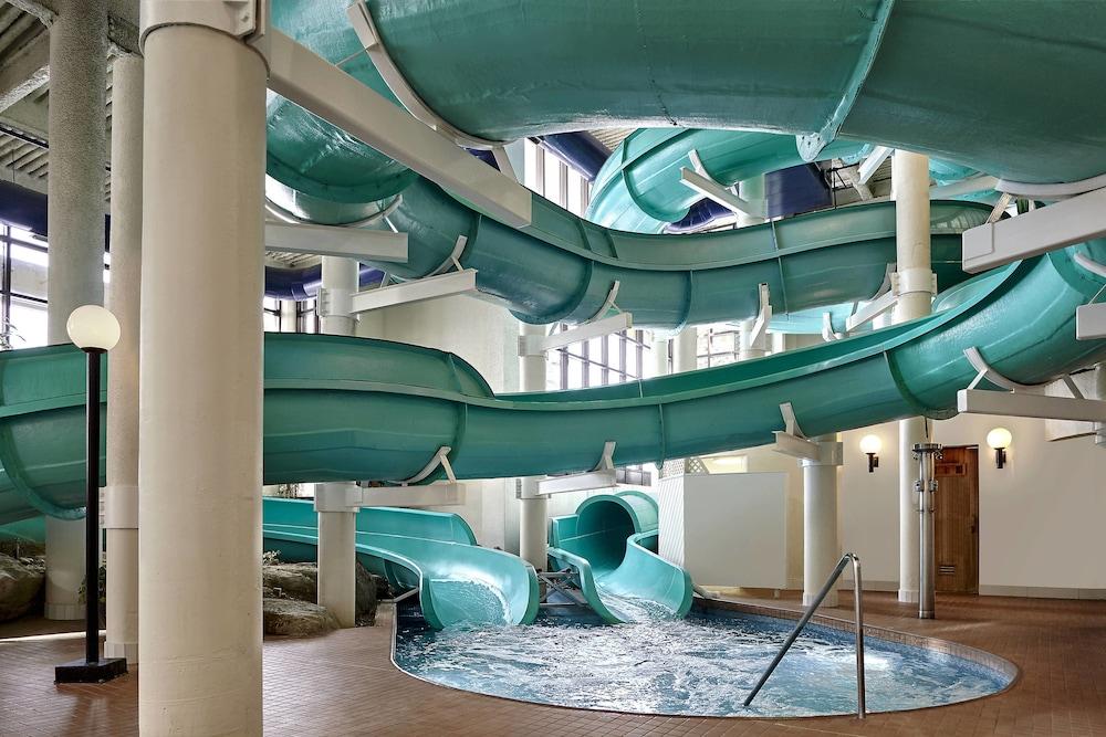 Sheraton Cavalier Calgary Hotel